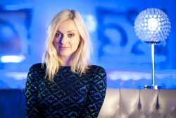Fearne Cotton - The Nation's Favourite Number 1 Single 8th July x8